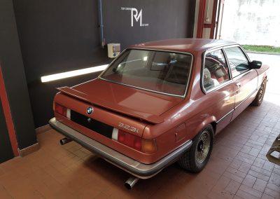 BMW 323i Heck